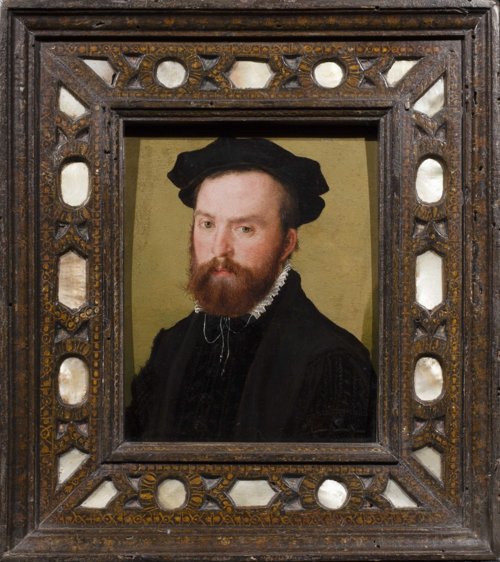 A Portrait of a Gentleman, Bust Length, with a Black Velvet Cap, Corneille de Lyon(The Hague c. 1510